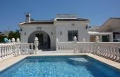 200-0008, Attractive Three Bedroom Detached Villa With Private Pool, Solarium & Off Road Parking In La Siesta, Torrevieja.