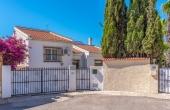 200-0104, Attractive, Three Bedroom, South Facing,  Detached Villa, With Garage and Private Swimming Pool in Ciudad Quesada.