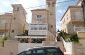 200-0111, GREAT OPPORTUNITY!! Lovely, Three Bedroom Detached Villa With Solarium & Garage In Villamartin.