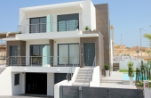 200-0017, Super Modern & Spacious Three Bedroom Townhouses With Huge Underbuilds & Lovely Views.