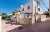 200-0482, Three Bedroom Townhouse In Torrevieja