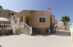 Ref:100-2115-Three Bedroom Detached Villa In Atalaya Park.-Alicante-Spain-Villa-Resale