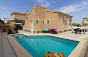 100-2115, Three Bedroom Detached Villa In Atalaya Park.