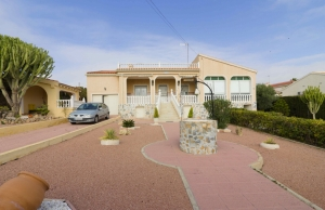 Ref:100-2116-Three Bedroom Detached Villa With Huge Plot & Garage In Central Ciudad Quesada.-Alicante-Spain-Villa-Resale
