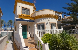 200-0584, Three Bedroom Detached Villa In El Raso.
