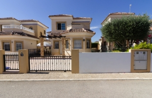 Ref:100-2123-Two Bedroom Detached Villa on El Raso-Alicante-Spain-Villa-Resale
