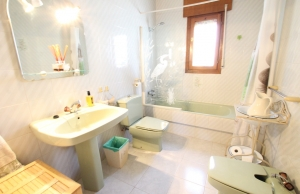 46508_charming_4_bed_south_facing_villa_with_private_pool___garage_280919133217_img_6743