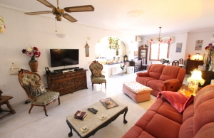 46508_charming_4_bed_south_facing_villa_with_private_pool___garage_280919133228_img_6771