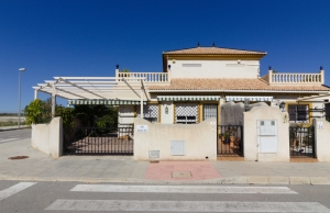 Ref:100-2145-Three Bedroom Semi-Detached Villa In Montesol Villas, Los Montesinos.-Alicante-Spain-Villa-Resale