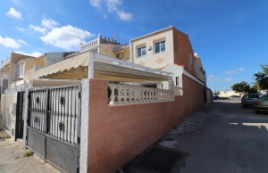 200-0697, Two Bedroom Townhouse In Torrevieja.