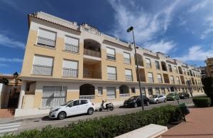 200-0832, Two Bedroom First Floor Apartment In Formentera Del Segura.