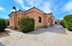 200-0810, Three Bedroom Detached Villa On Fincas De la Vega, Formentera Del Segura.