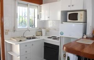 medium_6092_lovely_2_bedroom,_corner_bungalow_overlooking_communal_pool_140520100605_sr1160_(3)