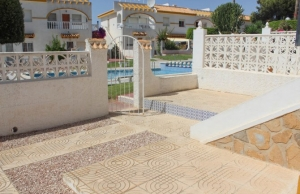 medium_6092_lovely_2_bedroom,_corner_bungalow_overlooking_communal_pool_140520100629_sr1160_(2)