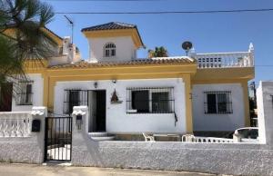200-0846, Two Bedroom Corner plot Quad Villa In La Marquesa, Ciudad Quesada.
