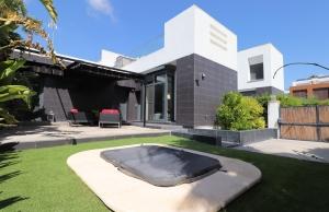200-1078, Two Bedroom Semi-Detached Villa On La Finca Golf Course, Algorfa.
