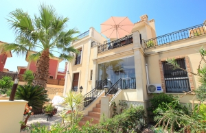 200-0877, Two Bedroom Top Floor Apartment on La Finca Golf, Algorfa.