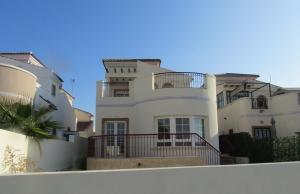 200-0961, Three Bedroom Detached Villa On El Raso, Guardamar Del Segura.