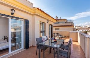 200-1151, Three Bedroom Duplex Apartment In Los Estanos, Guardamar Del Segura.