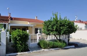 200-1103, Two Bedroom Bungalow In La Torreta II, Torrevieja.