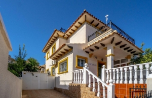 200-1161, Three Bedroom Quad Villa In Playa Flamenca.