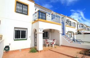 200-1184, Two Bedroom Ground Floor Apartment In Jardin Del Mar, Torrevieja.