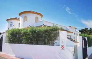 200-1265, Three Bedroom Link Detached Villa On El Raso, Guardamar Del Segura.