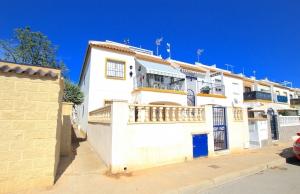 200-1274, Two Bedroom Top Floor Apartment In Jardin Del mar, Torrevieja
