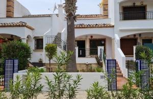 200-1287, Two Bedroom Bungalow in Villamartin, Orihuela Costa.