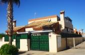 200-0072, Delightful, Three Bedroom, Corner Plot, Semi-Detached Villa With Solarium & Direct Pool Access In El Easo, Guardamar Del Segura,